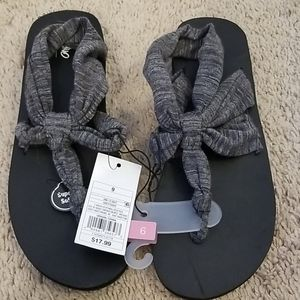 Mossimo Comfy Sandals Size 9